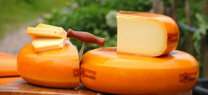 Heerlijke kaas vers van het mes